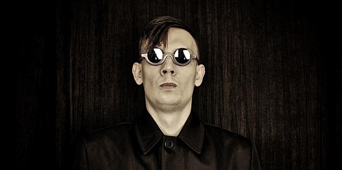 Fotografia portretowa Pawła Wilka, stylizowana